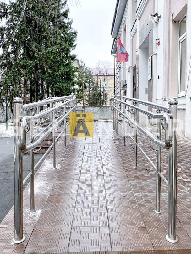 Отделение ПАО Росбанк, г. Орёл; ограждений лестниц промсервис